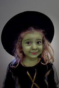 Mange kler seg ut som heks, zombiar, demonar eller vampyrar. Foto: Raúl Hernández González/ Flickr