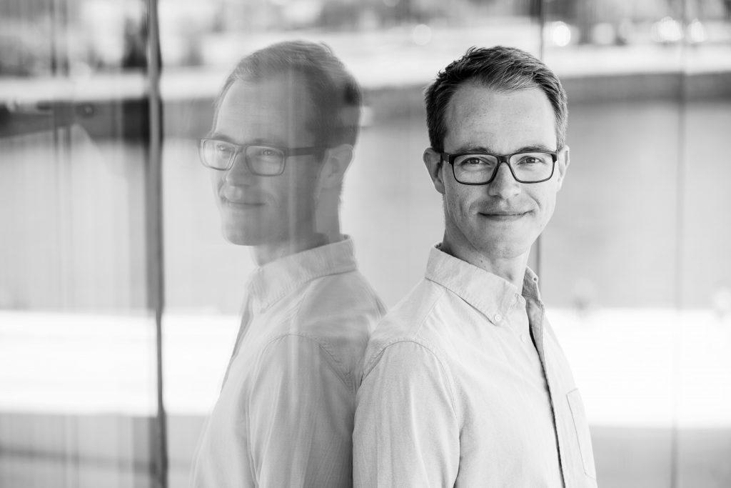 Biolog Åsmund Husabø Eikenes. (Foto: Tove Breistein/Samlaget)